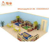 Flexibles Klassenzimmer verwendete Vorschultische und Stühle