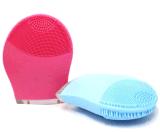 O limpador elétrico da face vibra o equipamento de limpeza da beleza da escova do silicone impermeável