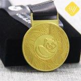 Medaglioni su ordine dell'oro del metallo dell'orso del commercio all'ingrosso di alta qualità
