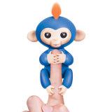 Le singe mignon de bébé de poissons jeunes de jouet de gosses joue les jouets intelligents électroniques de singe d'animal familier de main