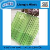 La couleur verte avec des lignes de verre feuilleté
