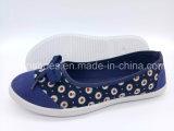 女性の注入のズック靴の平らな余暇の靴(FPY818-11)