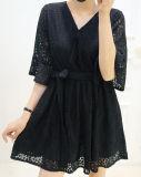 Hot Mesdames dentelle noir creux V-cou robe