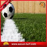 Césped artificial de la hierba del fabricante 10m m de China para el campo de deporte