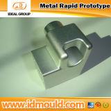 La precisión de mecanizado CNC la molienda y girando la herramienta Mano