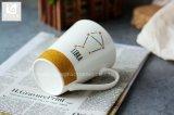 Forma de V beber cerâmica caneca com pega 11oz