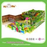 Thèmes de jungle d'enfants pour la cour de jeu d'intérieur
