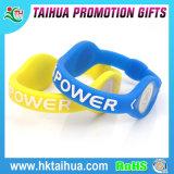 Kundenspezifisches Vners Silikon-Armband mit Plastiktasten-oder Silikon-Tasten-Dekoration-Tasten