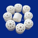 Un 99% de bolas de cerámica de alúmina con el agujero como soporte de catalizador de la cama