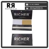 Un papier de roulement mince grand plus riche de cigarette avec des extrémités de filtre
