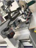Carregamento automático do ATC e descarregamento da máquina Center