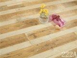 Neue Farben des lamellenförmig angeordneten Bodenbelags