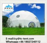 Barraca impermeável da meia esfera com tampa desobstruída do telhado para a exposição