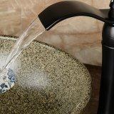 Le pétrole de Flg a frotté le mélangeur élevé en bronze de récipient de salle de bains
