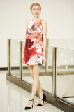 Eine Zeile einteiliges Plazierungs-Drucken-Kleid