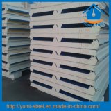 建築材料ポリウレタンPUの屋根または壁構造絶縁されたサンドイッチパネル