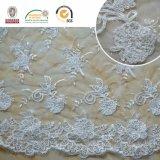 Hochzeits-Kleid-Spitzesequins-Stickerei mit Raupen