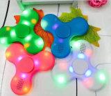 Neuer Hotest Plastikfinger-Handgeschenk-Spinner des unruhe-Spielzeug-LED heller mit Bluetooth Lautsprecher
