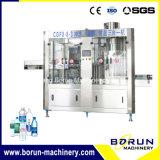 Machine de remplissage de boissons en bouteilles en plastique / Machine d'embouteillage d'eau