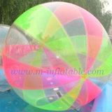 Les billes de marche de l'eau, la bille de l'eau, de la sphère (001)