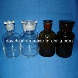 De Fles van de reagens met Blauwe Schroefdop