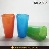 La cerveza de atención al cliente imprimir color del agua de beber la copa de cristal