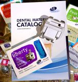 医療機器の開いたツールが付いているブラケットを縛っている歯科歯科矯正学の物質的なDamon Qの自己