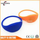 Wristband do silicone do presente da promoção com logotipo e cor personalizados