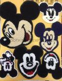 A correção de programa de vestuário bordada encantadora da correção de programa de Mickey dos desenhos animados caçoa o acessório do vestuário
