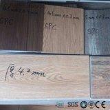 Le bois des carreaux de sol de matériaux de construction en plastique pour la vente