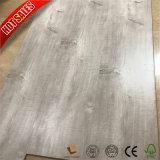 Carvalho austríaco em relevo Médio Bornéu piso laminado de madeira teca
