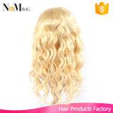 Peluca rubia gruesa y suave 130 peluca llena del cordón de la densidad Peluca llena brasileña del pelo humano de Glueless Peluca rubia de la onda natural