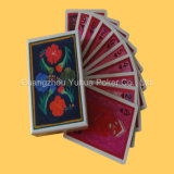 Plástico a estrenar que hace publicidad de las tarjetas que juegan de papel de las tarjetas que juegan