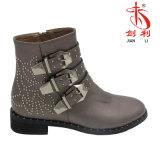 Frauen-beiläufige lederne Schuhe Faltenbildung-Brücke Dame Boots Shoes (AB612)