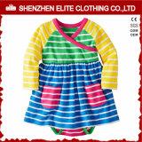 I vestiti appena nati del bambino dell'inclusione della Cina impostano il bambino
