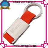 Catena chiave in bianco del metallo con il regalo dell'anello portachiavi della sagola