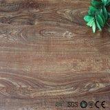 Le plancher de vinyle le meilleur marché de configuration desserrée en bois
