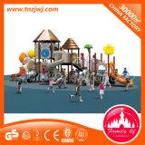 Kind-im Freienspiel-Plättchen-kommerzieller im Freienspielplatz Playsets