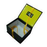 boîte-cadeau de carton d'épaisseur de 2mm avec la fermeture personnalisée de bande