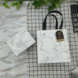 Le papier Emballage cadeau Boîte avec sac, boîte de carton de l'impression