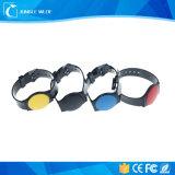 Neuester 125kHz 13.56MHz flexibler RFID Armbandplastikwristband