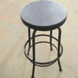 Металлические предметы антиквариата промышленных бар стульями