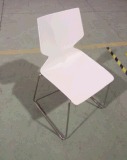 Высокое качество укладки из нержавеющей стали пластиковый обеденный стул