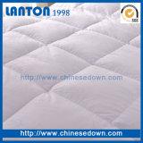 Re di lusso 100% dell'hotel del cotone giù del Comforter della Cina dell'hotel cinque stelle alternativo bianco del fornitore Microfober Quilt