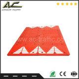 Roter Straßen-Geschwindigkeits-Buckel-Verkehrssicherheit-Buckel
