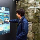 디지털 버스 대기소 역 LCD 스크린 광고 Signage 전시