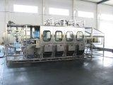 Bouteille de 5 gallons contrôlés par le PLC Machine de remplissage de l'eau