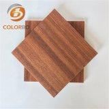 Haute qualité et une faible surcharge Micro-Perforated Panneau acoustique En bois