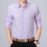 De plaid de coton de bouton chemises d'hommes de Businesss vers le bas