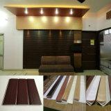 cannelure de largeur de 25cm et décoration plate de la Chine de panneau de mur de PVC de laminage